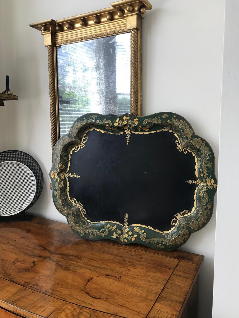 French 19th Century Large Tole Tray In Good Condition For Sale In London, GB