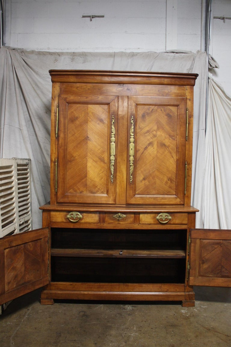 French 19th Century Louis-Philippe Buffet 2Corps For Sale 5