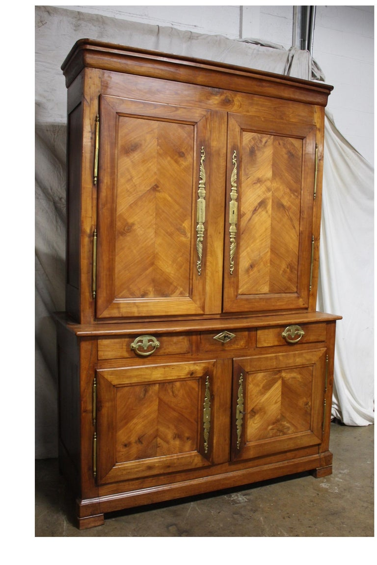 French 19th Century Louis-Philippe Buffet 2Corps For Sale 2
