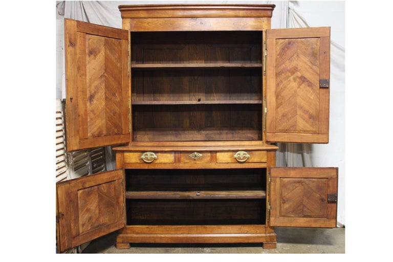 French 19th Century Louis-Philippe Buffet 2Corps For Sale 3