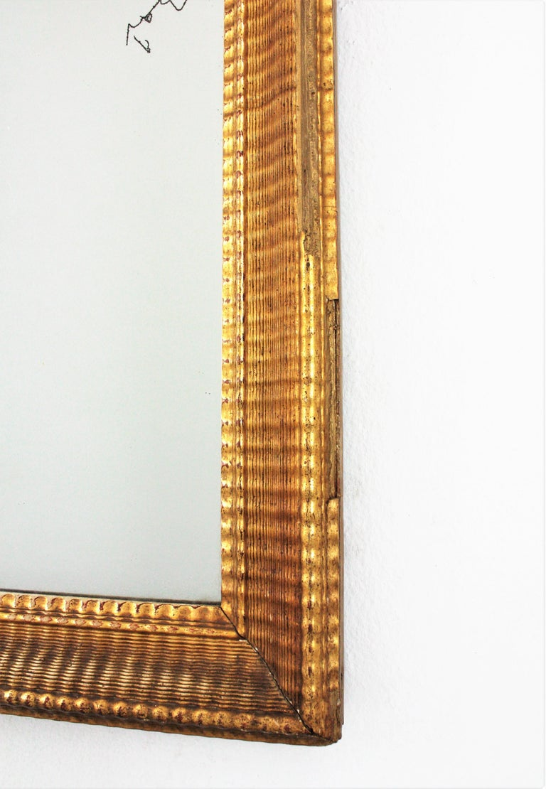 French 19th Century Louis Philippe Gold Leaf Giltwood Ribbed Carving Mirror For Sale 2