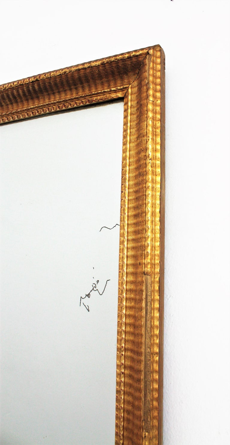 French 19th Century Louis Philippe Gold Leaf Giltwood Ribbed Carving Mirror For Sale 3