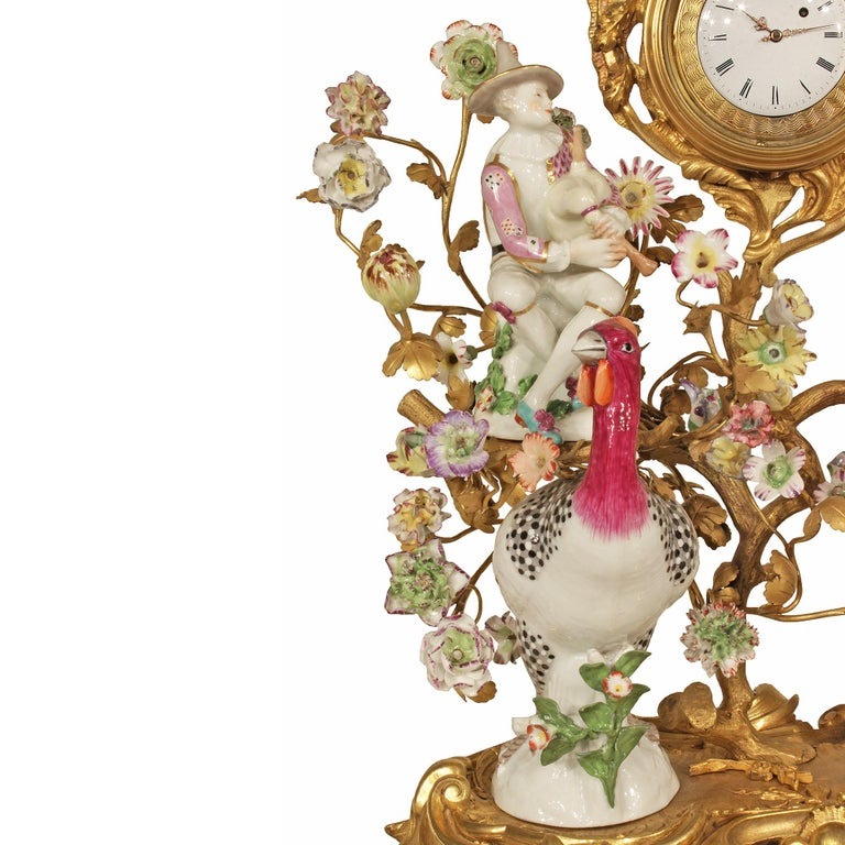 French 19th Century Louis XV Style Porcelain and Ormolu Clock In Excellent Condition For Sale In West Palm Beach, FL