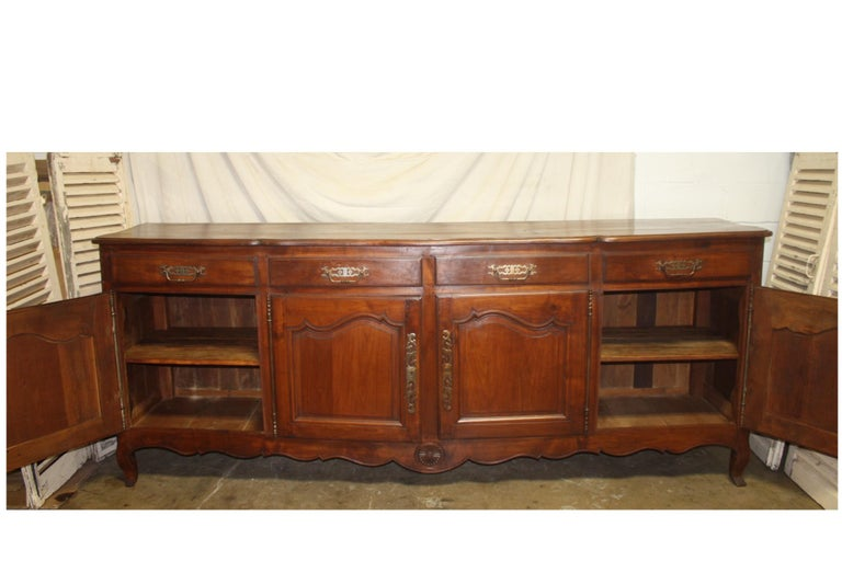 French 19th Century Louis XV Style Sideboard For Sale 5