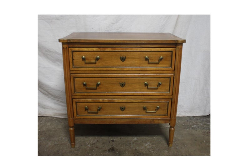 French 19th Century Louis XVI Commode For Sale 5