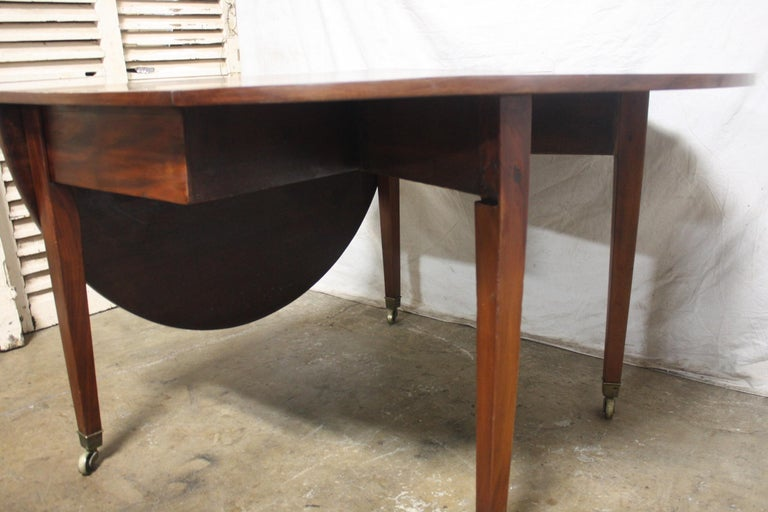 French 19th Century Louis XVI Drop-Leaf Table In Good Condition For Sale In Atlanta, GA