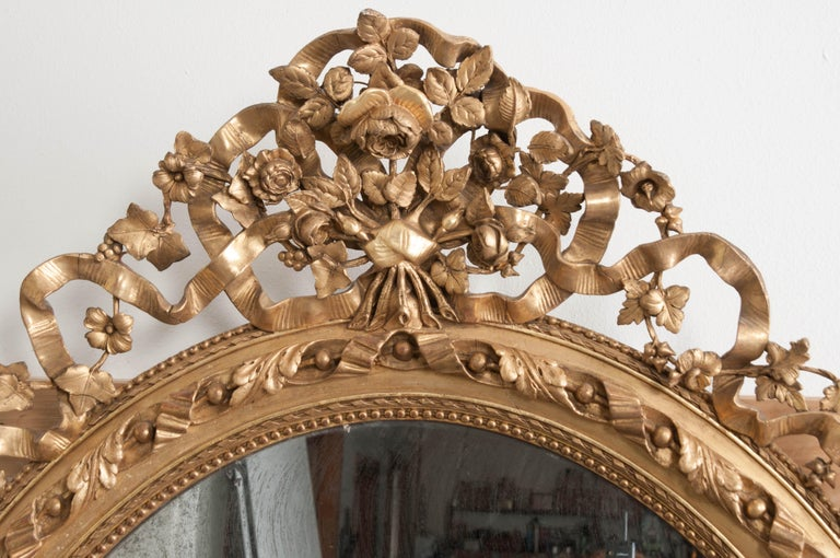 French 19th Century Louis XVI Oval Giltwood Mirror For Sale 1