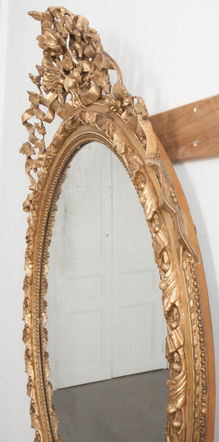 French 19th Century Louis XVI Oval Giltwood Mirror For Sale 5