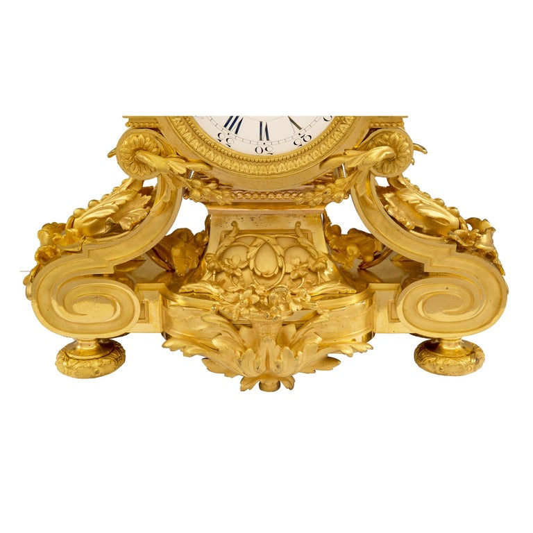 French 19th Century Louis XVI Style Belle Époque Period Ormolu Clock For Sale 4