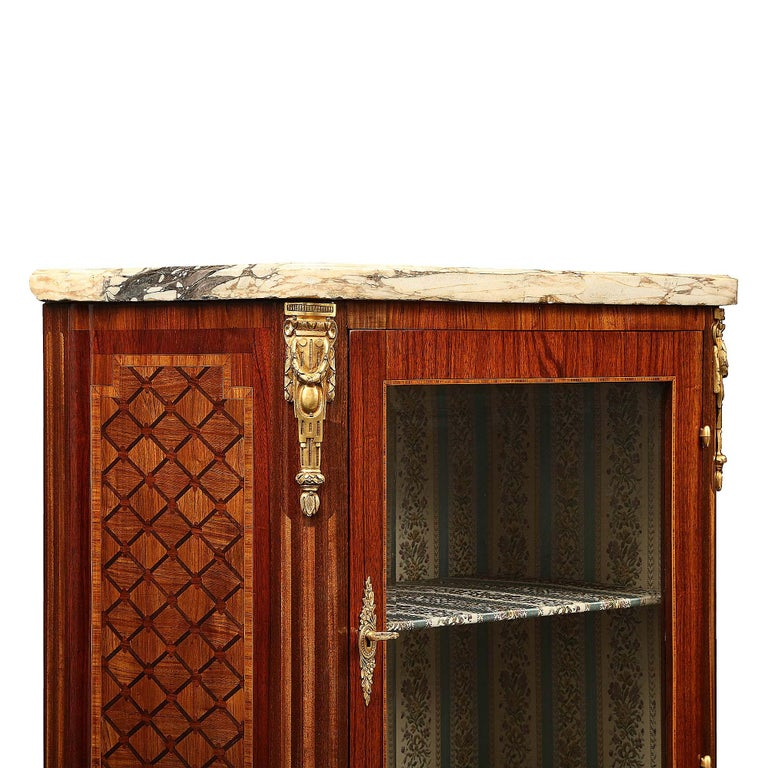 French 19th Century Louis XVI Style Tulipwood and Kingwood Inlaid Vitrine For Sale 1