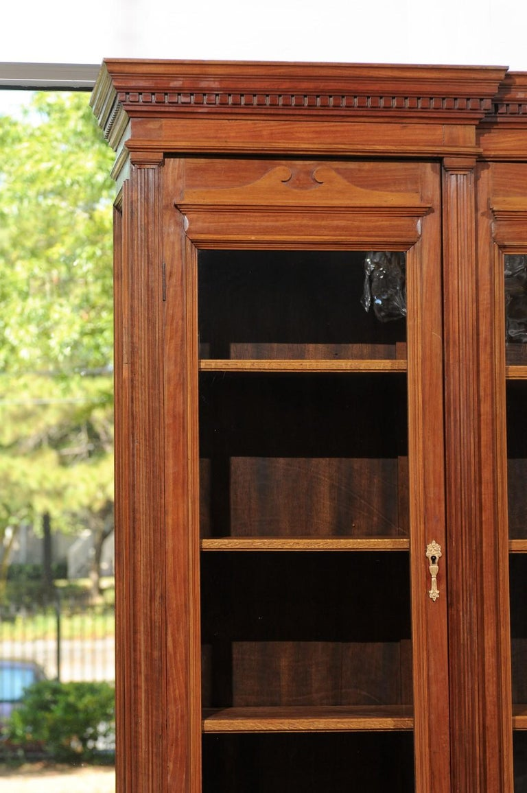 French 19th Century Louis XVI Style Blond Mahogany Bibliothèque with Glass Doors For Sale 3