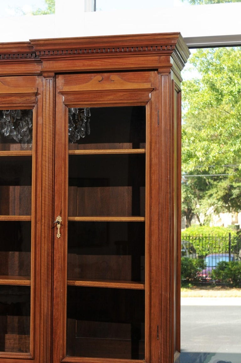 French 19th Century Louis XVI Style Blond Mahogany Bibliothèque with Glass Doors For Sale 4