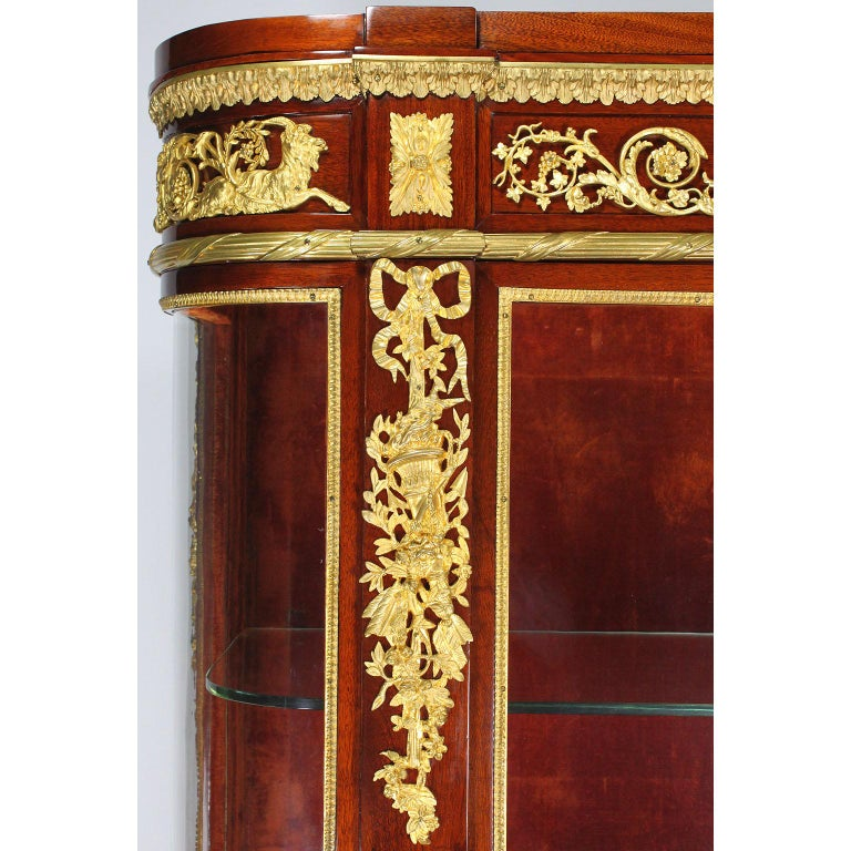 French 19th Century Louis XVI Style Mahogany and Ormolu Mounted Two-Door Vitrine For Sale 2