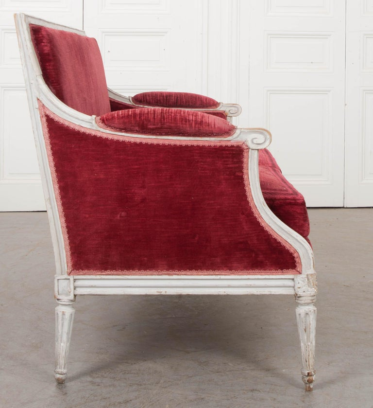 French 19th Century Louis XVI-Style Settee For Sale 5