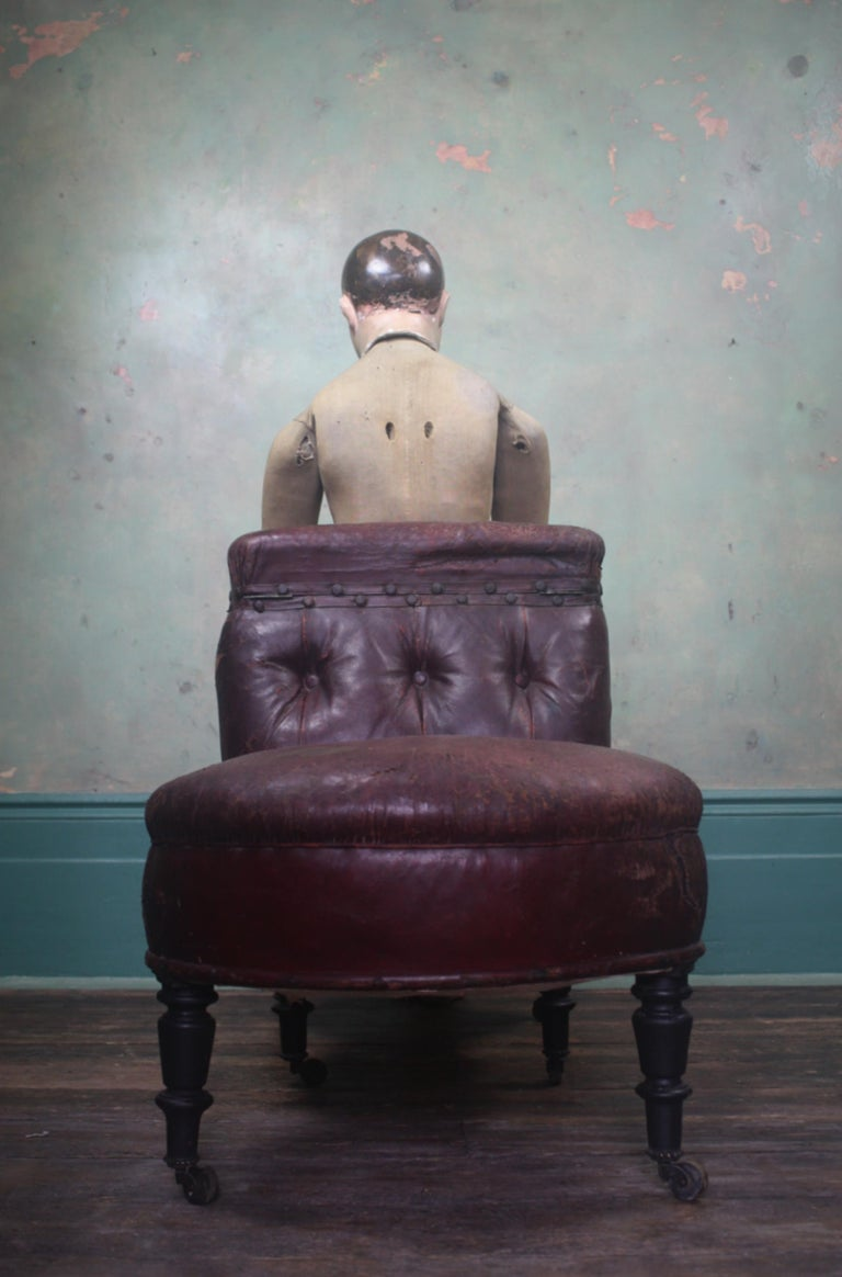 French 19th Century Napoleon III Curios Double Ended Maroon Leather Chair For Sale 6