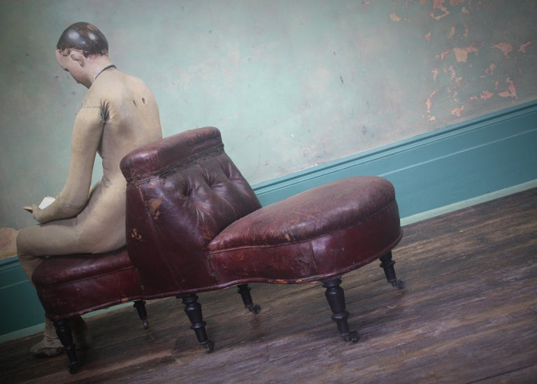 French 19th Century Napoleon III Curios Double Ended Maroon Leather Chair For Sale 4