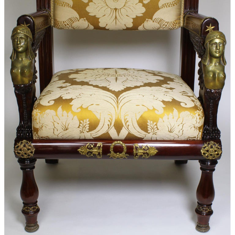 French 19th Century Napoleon III Egyptian Revival Bronze Mounted Throne Armchair In Good Condition For Sale In Los Angeles, CA