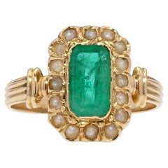 French 19th Century Natural Pearl Emerald 18 Karat Yellow Gold Ring