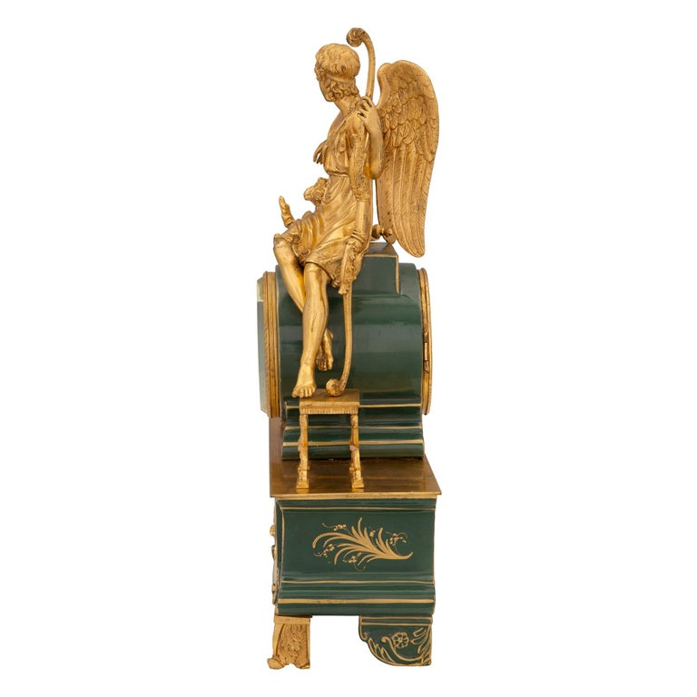 French 19th Century Neoclassical Style Porcelain and Ormolu Clock In Excellent Condition For Sale In West Palm Beach, FL