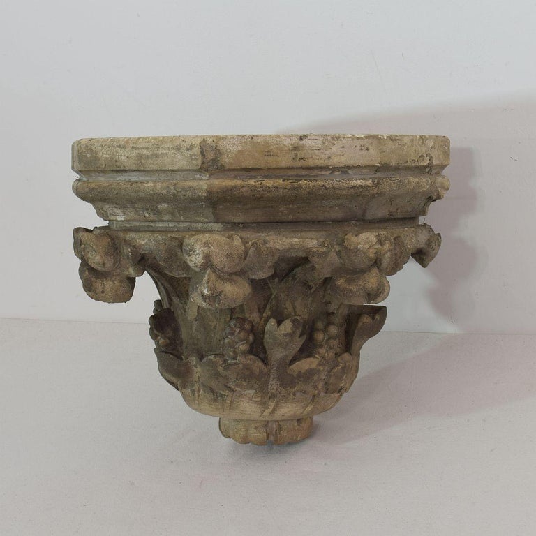 French 19th Century Neo Gothic Carved Stone Wall Console In Good Condition For Sale In Amsterdam, NL