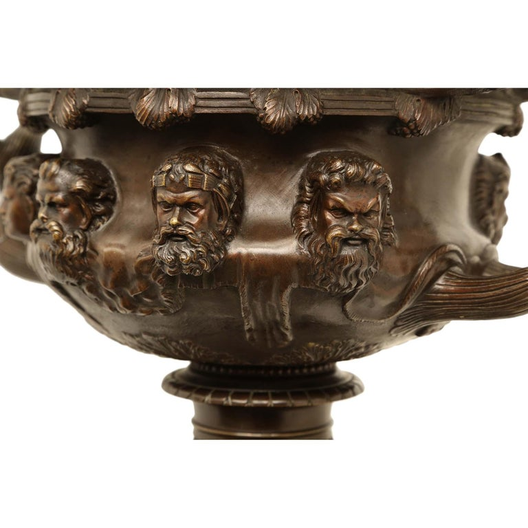 French 19th Century Neoclassical Style Patinated Bronze Tazza For Sale 5