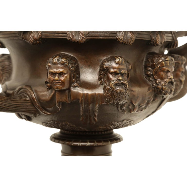 French 19th Century Neoclassical Style Patinated Bronze Tazza For Sale 6