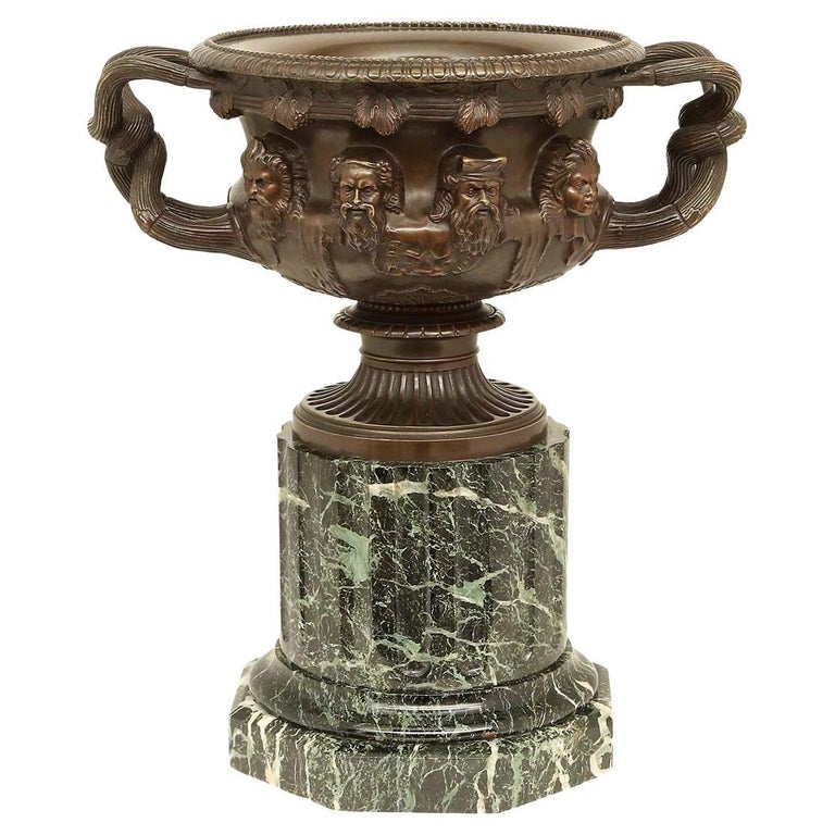 French 19th Century Neoclassical Style Patinated Bronze Tazza For Sale