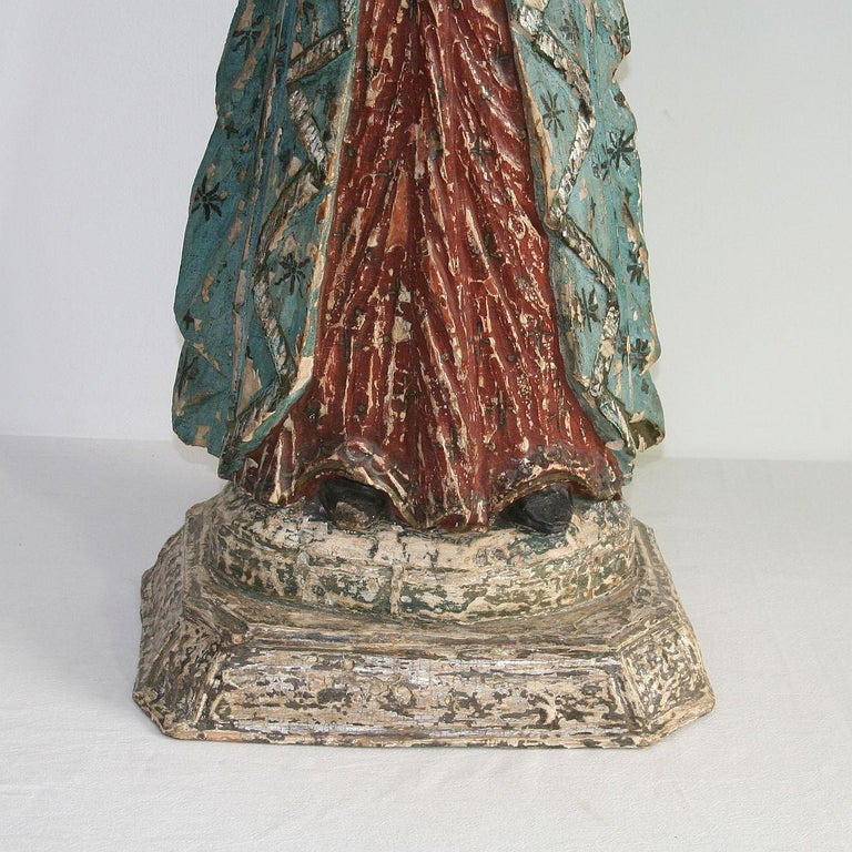 French 19th Century Painted Wooden Madonna or Santos For Sale 4