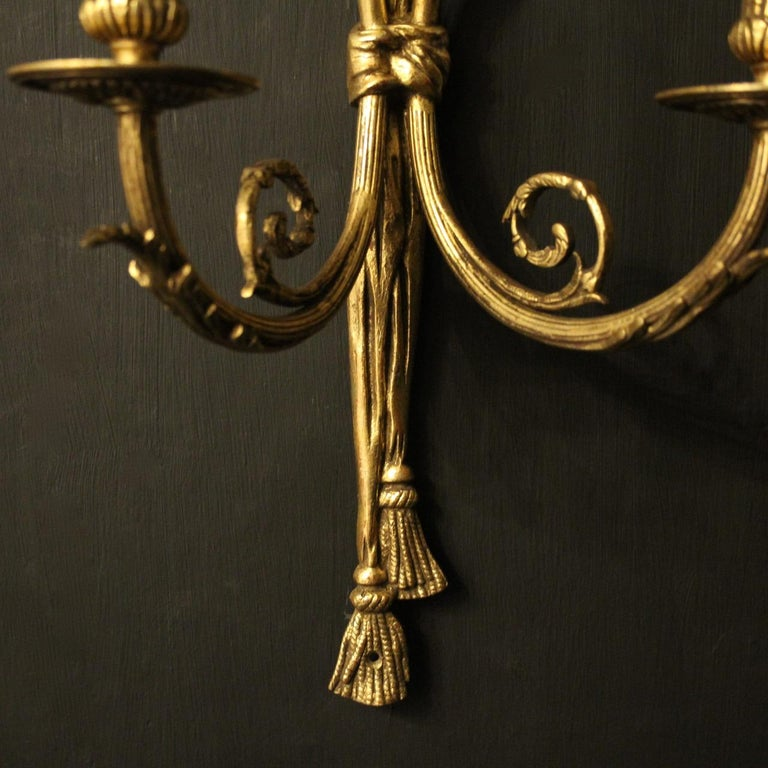 French 19th Century Pair of Gilded Bronze Antique Wall Lights For Sale 2