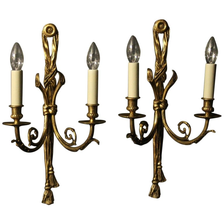 French 19th Century Pair of Gilded Bronze Antique Wall Lights For Sale