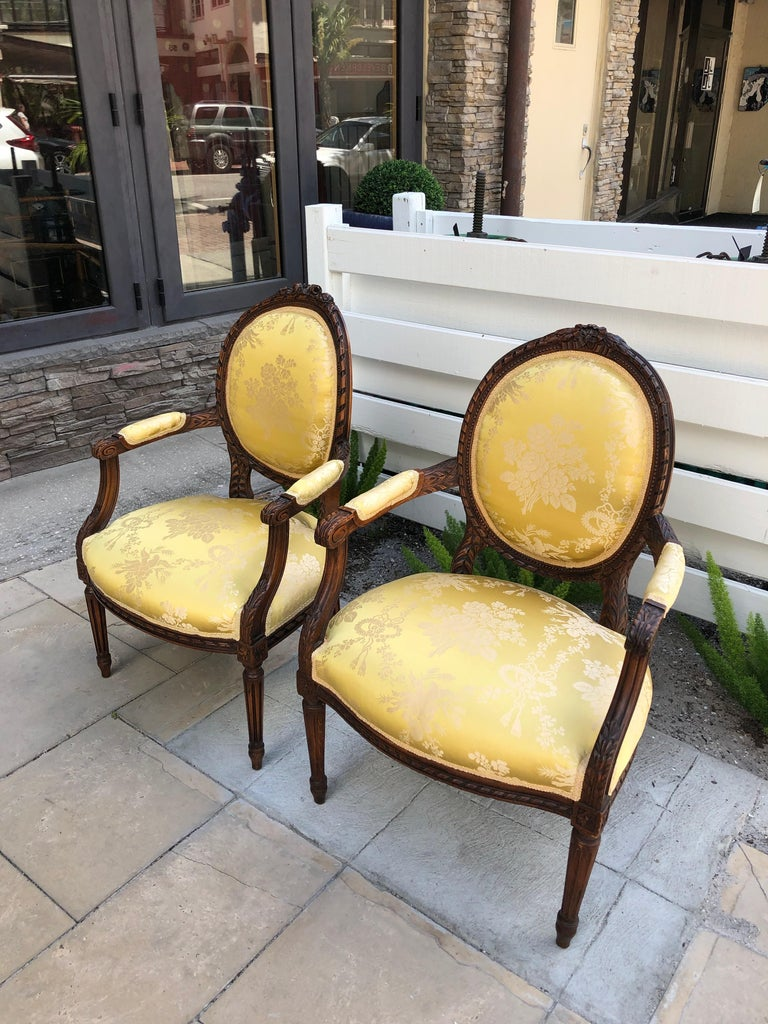 Hand-Carved French 19th Century Pair of Louis XVI Armchairs/Bergere Chairs For Sale
