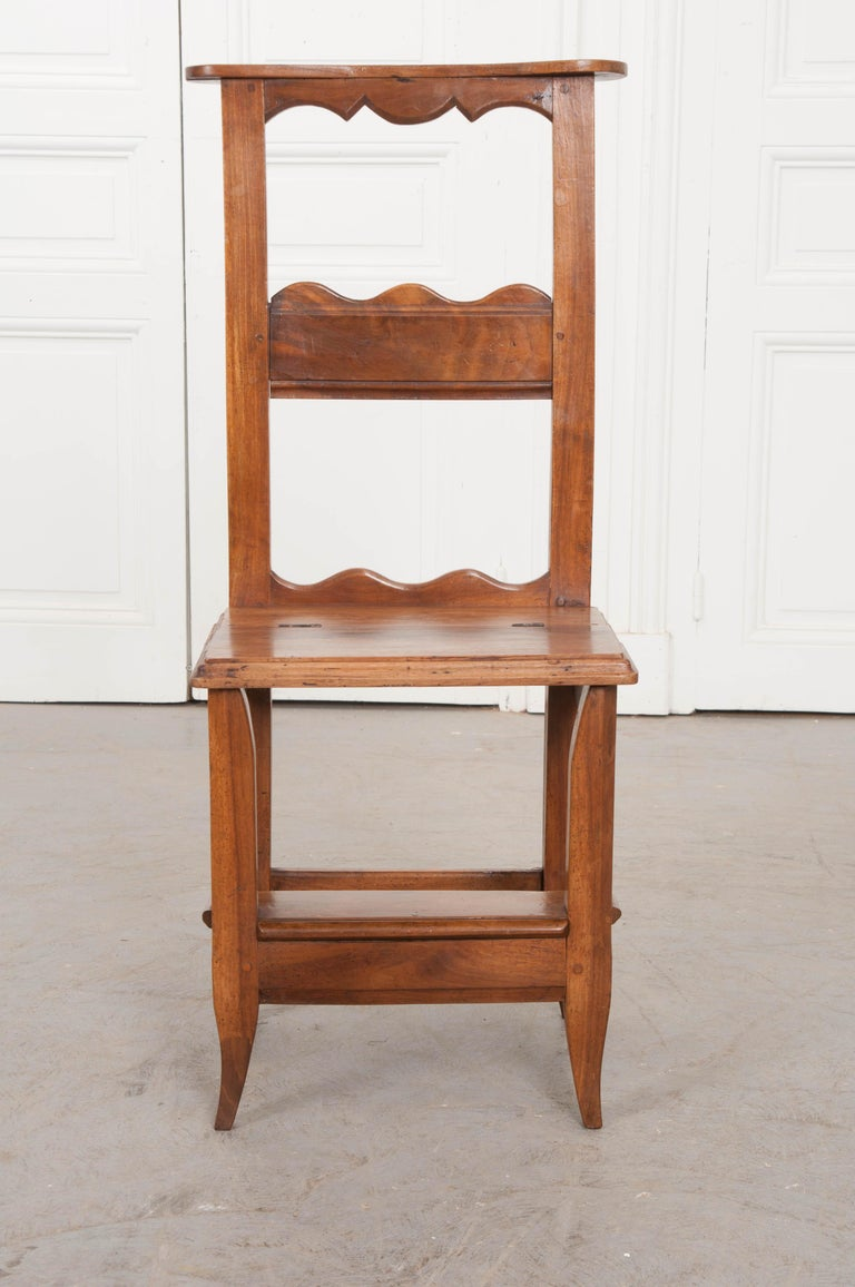 French 19th Century Provincial Walnut Prie-Dieu In Good Condition For Sale In Baton Rouge, LA