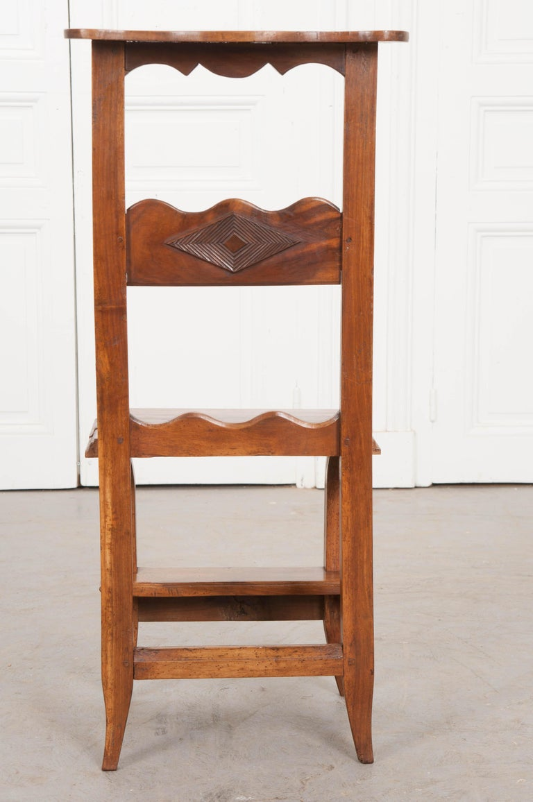 French 19th Century Provincial Walnut Prie-Dieu For Sale 2