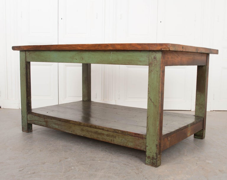 French 19th Century Provincial Walnut Work Table For Sale 1