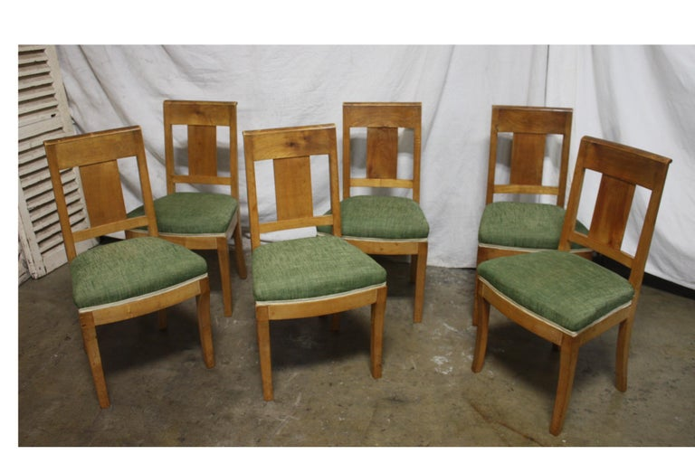 French 19th Century Restauration Dining Room Chairs In Good Condition For Sale In Atlanta, GA