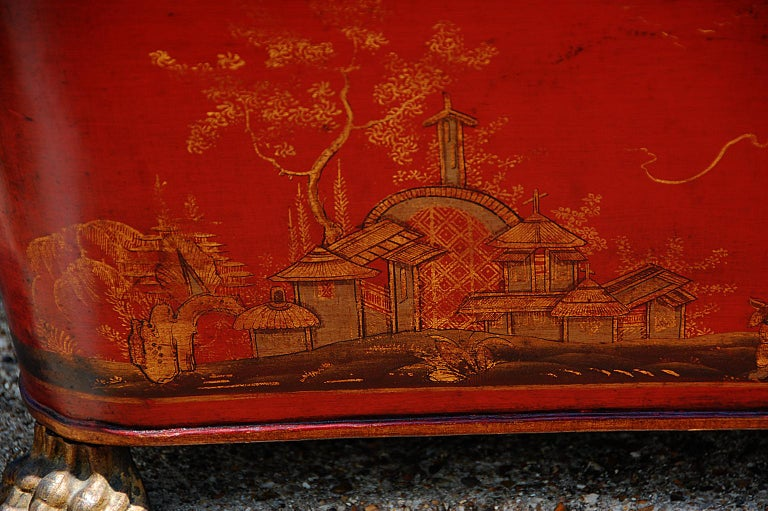 Hand-Painted French 19th Century Tole Coal Bin with Chinoiserie Decoration For Sale