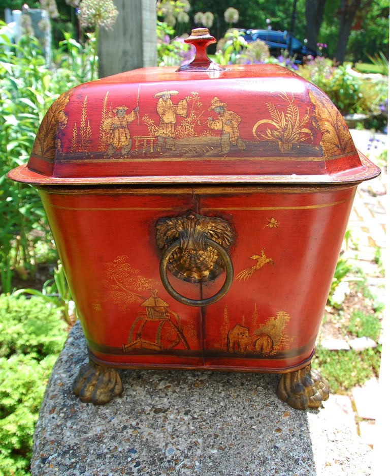 French 19th Century Tole Coal Bin with Chinoiserie Decoration For Sale 1