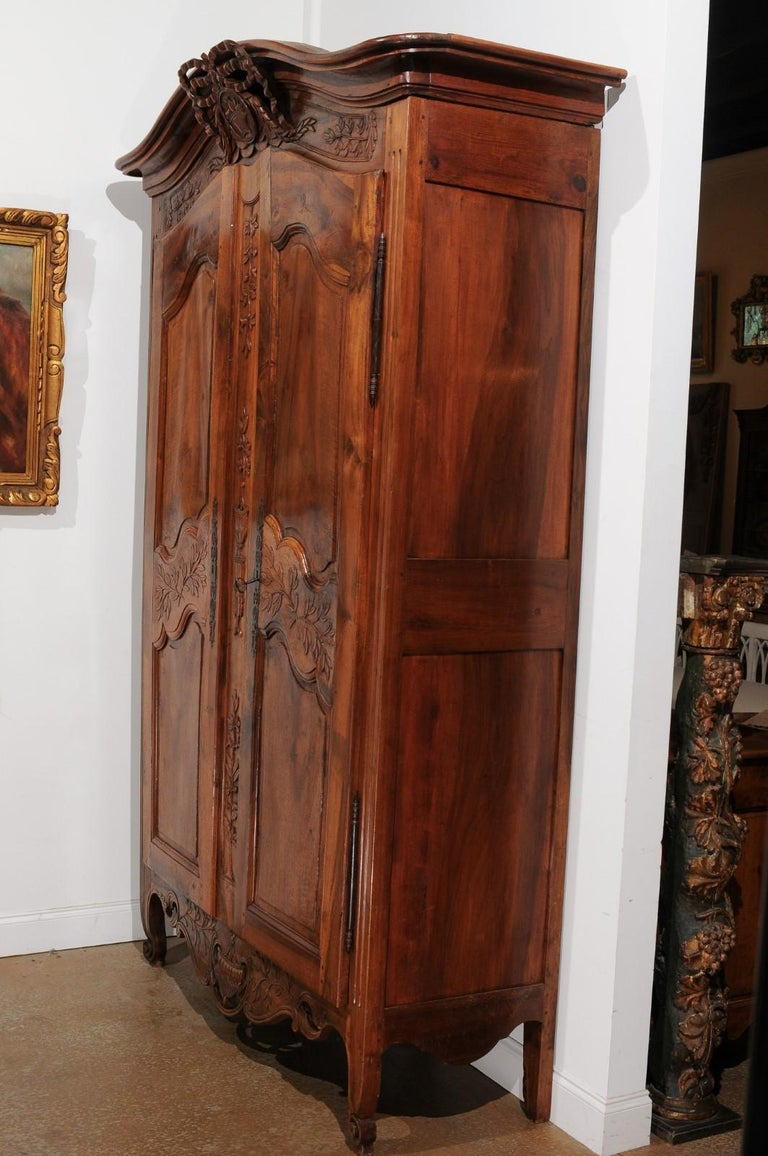 French 19th Century Transition Style Provençale Carved Wedding Armoire For Sale 6
