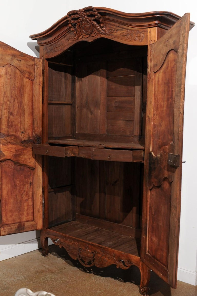 French 19th Century Transition Style Provençale Carved Wedding Armoire For Sale 4