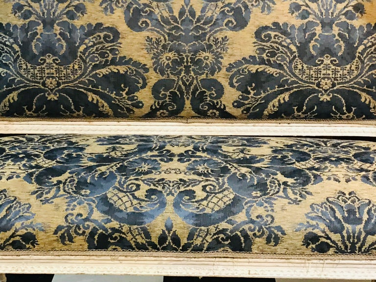 Hand-Painted French 19th Century White Settee Sofa For Sale