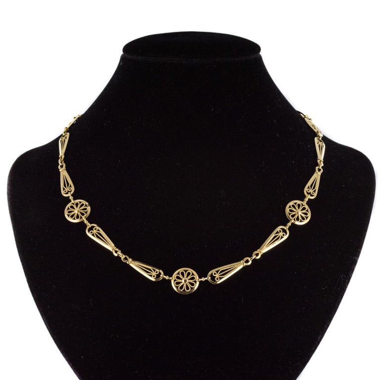 French 20th Century Belle Époque Yellow Gold Filigree Necklace In Good Condition For Sale In Poitiers, FR