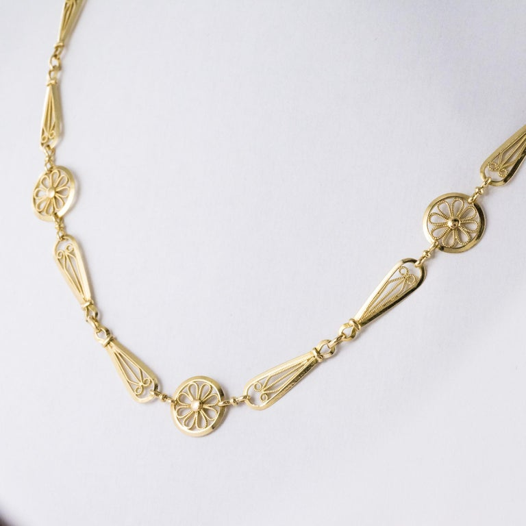 Women's French 20th Century Belle Époque Yellow Gold Filigree Necklace For Sale