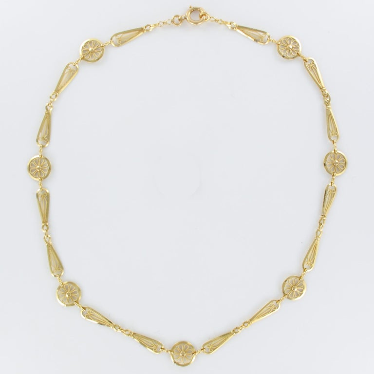 French 20th Century Belle Époque Yellow Gold Filigree Necklace For Sale 2