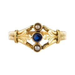 French 20th Century Natural Pearls Sapphire 18 Karat Yellow Gold Ring