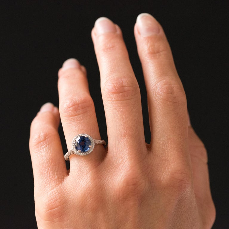 French 2.26 Carat Royal Blue Ceylon Sapphire Diamonds Ring For Sale 7