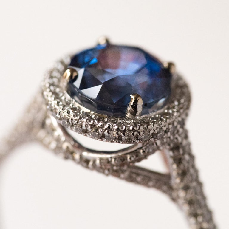 Women's French 2.26 Carat Royal Blue Ceylon Sapphire Diamonds Ring For Sale