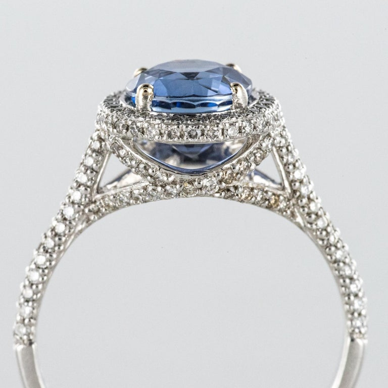 French 2.26 Carat Royal Blue Ceylon Sapphire Diamonds Ring For Sale 3