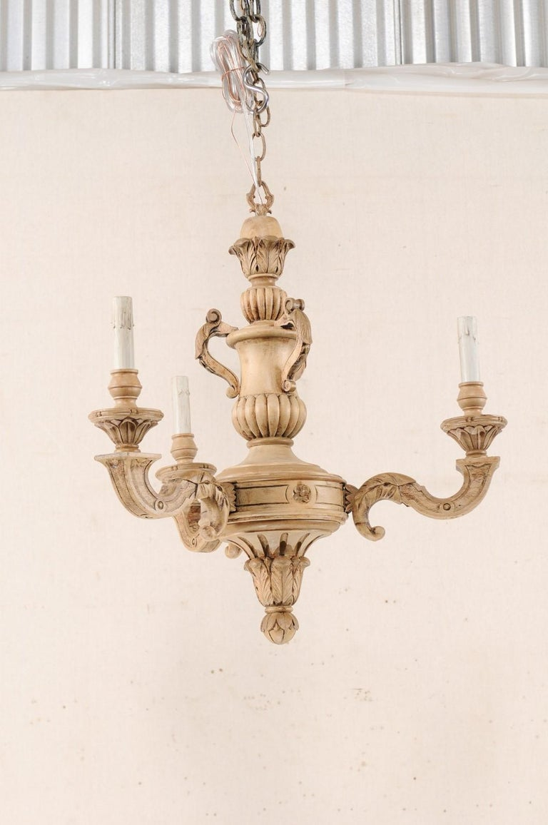 French 3-Light Carved Natural Wood Chandelier For Sale 1