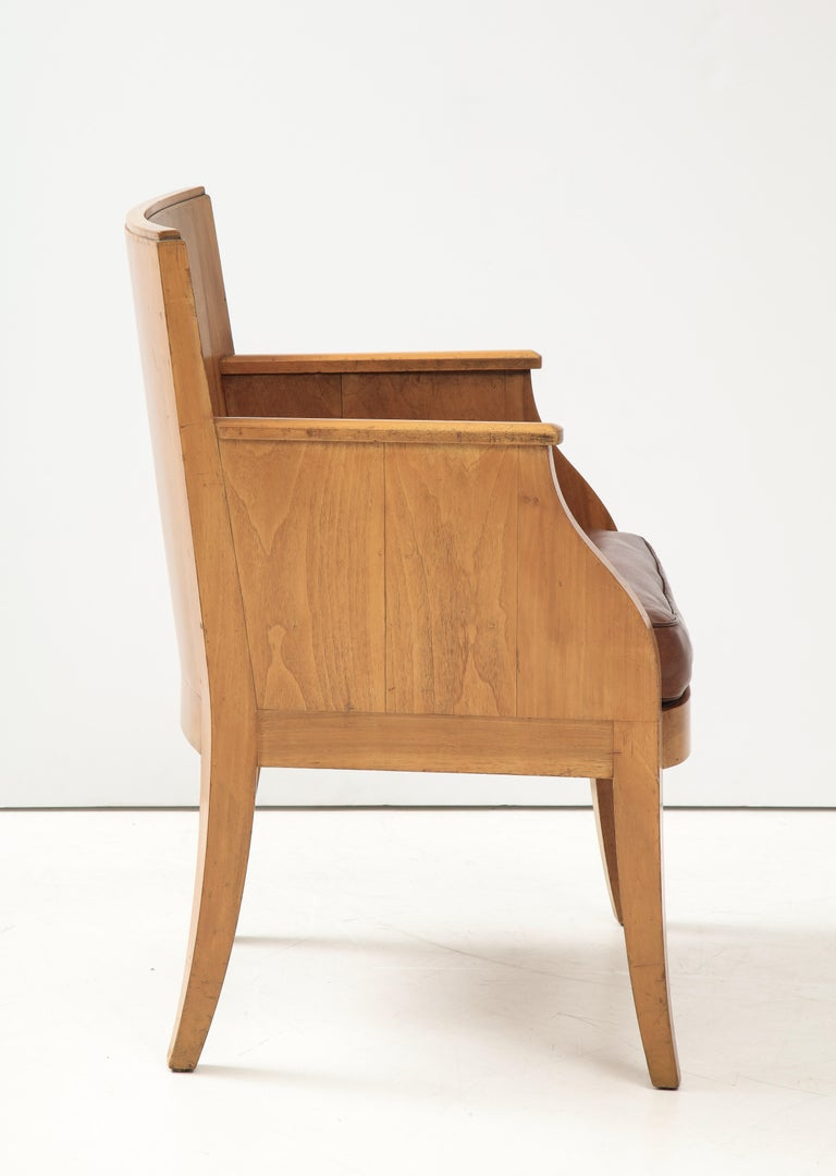 French 40's Oak Chair with Original Brown Leather Seat, France, c. 1940 For Sale 5
