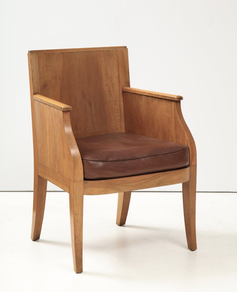 French 40's Oak Chair with Original Brown Leather Seat, France, c. 1940 For Sale 6